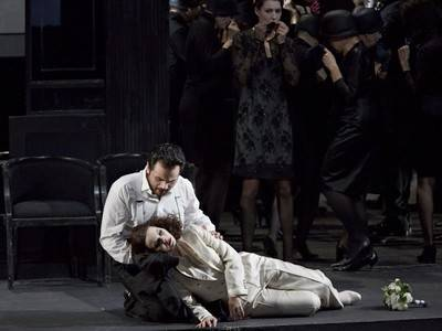 "LUIS CANSINO DEBUTES IN THE STAATSOPER STUTTGART WITH ""LA TRAVIATA"""